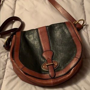 Fossil crossbody bag with great pockets